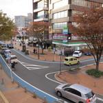 ナチュカフェプラス - JR小倉駅新幹線口から出て左側、すぐに見える位置です