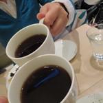 ナチュカフェプラス - 正面のレディはこの日誕生日。オメデトウ!思わず珈琲乾杯❤