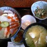2320369 - 海鮮丼