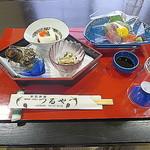 料理旅館つるや - 昼懐石コース(小鉢・お造り)