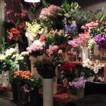 ハナカフェ シルバーレイン アンド マーガレット - お花が綺麗