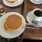 トミィ - ブレンドコーヒーとホットケーキ