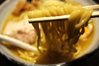 麺屋 利休 - 塩ラーメンの麺UP