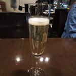 23215989 - アニバーサリーだったので乾杯はシャンパンです。