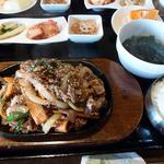 名家 - プルコギ定食