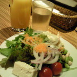 essence dining - サラダバーから。