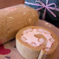 """カントリークリスマス - お取り寄せサイトで週間第1位に輝きました(^_^)低脂肪のロールケーキ """"メルロール""""です。"""