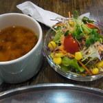 AKAI TORI - セットにつくサラダと味噌汁。これにコーヒーもつきます