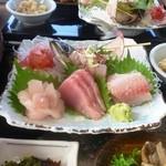 漁港食堂 だいぼ - 館山伊勢海老ステーキ御膳(地魚のお刺身)