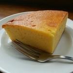 スカイラウンジ 回転喫茶室 - 六甲チーズケーキセット 800円