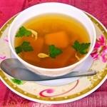 すろまい - 日本と同じく「だし」を大事にするカンボジア。だからスープも絶品です。