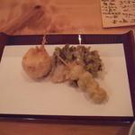 23225975 - 天ぷらお好みで追加1:玉ねぎ・舞茸・銀杏等