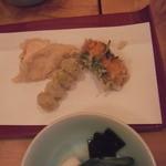 23225977 - 天ぷらお好みで追加2:白麗茸・生ウニ・銀杏等
