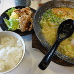KAZZ - 味噌中おち麺+唐揚げ+ゴハン(ボリュームたっぷり)