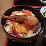りきさん亭 - 海鮮丼