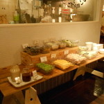 J.S. BURGERS CAFE - サラダバーコーナー