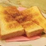 ヨシカミ - ロールパンをトーストで