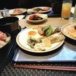 カスケイド ラウンジ - 朝食はビュッフェスタイル