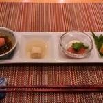 23236320 - 前菜盛合せ 生もずく酢とズワイ蟹、蕪と湯葉、鯛の酒盗とチーズ、鴨の八丁味噌漬と玉子焼き