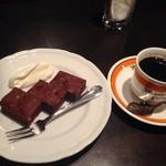 23236437 - ケーキセット(ガトーショコラ、フレンチコーヒー)