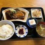 山田屋食堂 - 鯖味噌煮定食