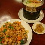 23238014 - 龍仙粥、ザーサイ、カシューナッツと鶏肉炒め