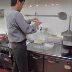 魔法のパスタ - 生地成型中 きめの細かいカプート粉を使用 味は絶品です。