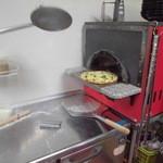 魔法のパスタ - 焼きあがったばかりのピッツア