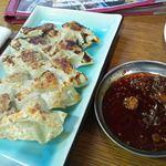 韓国ラーメン 明洞 - 一口餃子。