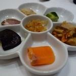 朔風 - 料理写真:中華冷菜のパレット盛り