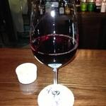23243825 - グラスワインとチャーム