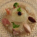 ラ・ロゼット - 12月 前菜(カリフラワーのムース蟹のジュレ、仏産カマンベール サーモンのパテ 若鶏のテリーヌ 洋梨生ハムなど