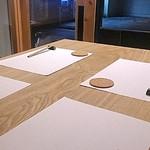 角壱 - 白木の大きなテーブル