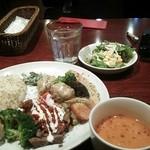 23246421 - ランチ メインプレート+スープ+サラダ