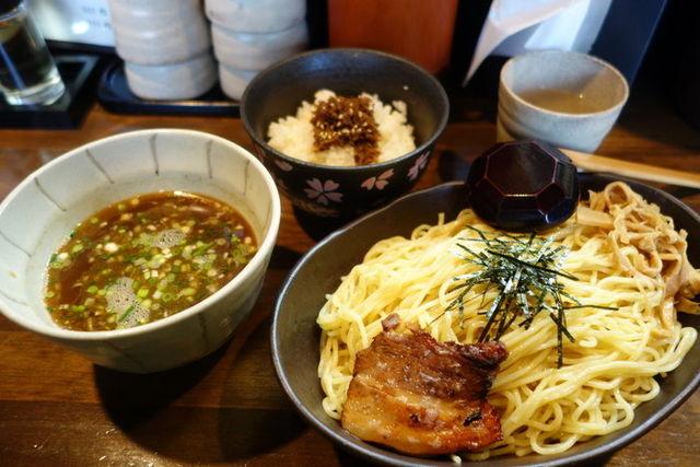 麺や 桜風 - つけ麺(醤油) 700円 + 大盛り 100円 じゃこと有馬山椒のご飯 300円