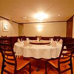 青冥 - 円卓の宴会室。個室は30名様まで使用可能。