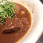 町衆料理 京もん - 牛すね肉のみそ煮込みのアップ