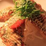 がじゅまる - 料理写真:大人気、がじゅまるピザ!!サクサクな生地と、フレッシュなトマトとの相性が抜群です!