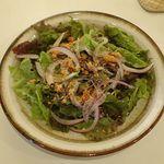 ニドミ - 赤玉葱のサラダ