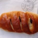 明月堂 - ブドウパン