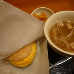 モスバーガー - 朝御膳 たまご黄身醤油ソース(380円)