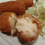 魚寅食堂 - カニクリームコロッケの断面