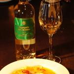 フランクストン - スペイン風 魚介のスープ ¥950 女性の体にとてもいいサフランを使った 魚介のダシがきいたスープです