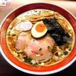 拉麺いさりび - 料理写真:和食・中華・フレンチの調理法を駆使した昔ながら風のネオ中華そば