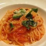 23276609 - 本日のパスタA 千葉県大多喜産のバジルを使ったスパゲッティ パルミジャーノレッジャーノとトマトのソース