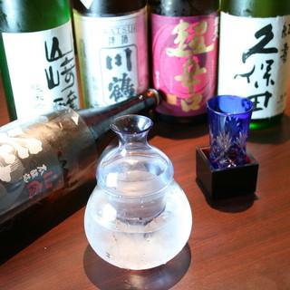 常時約20種類を常備≫厳選した辛口の日本酒※季節により変更有
