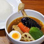 シャンティ - 料理写真:お店一番のオススメは、チキンと野菜のスープカレー