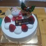 モナミ洋菓子店 - クリスマスケーキを食べました。スポンジがしっとり、クリームが重くなく、とても美味しいです。
