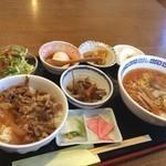 喜多山 - 舟橋村の喜多山でランチ(^.^) 牛丼、ラーメン定食です。