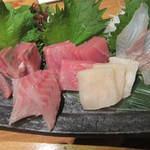 23282238 - 本日の地魚造り五種盛り:1344円